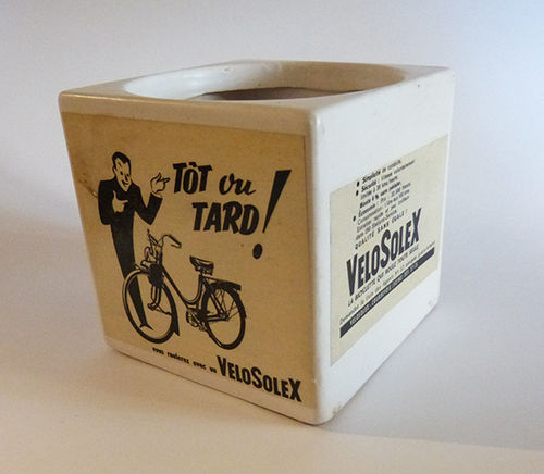 Ceramic pot with VeloSolex advertising