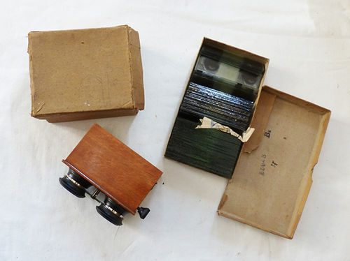 Stereoscopic viewer with photographic plates