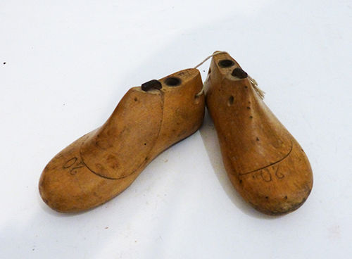 Shoemaker's lasts for children