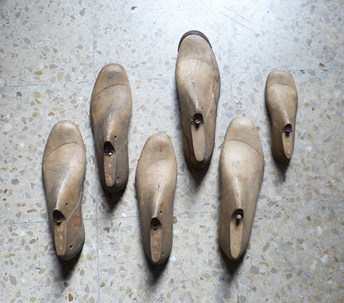 Wood shoe lasts