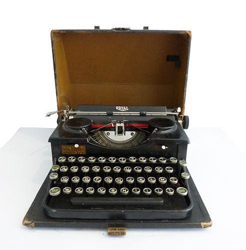 Royal P portable typewriter